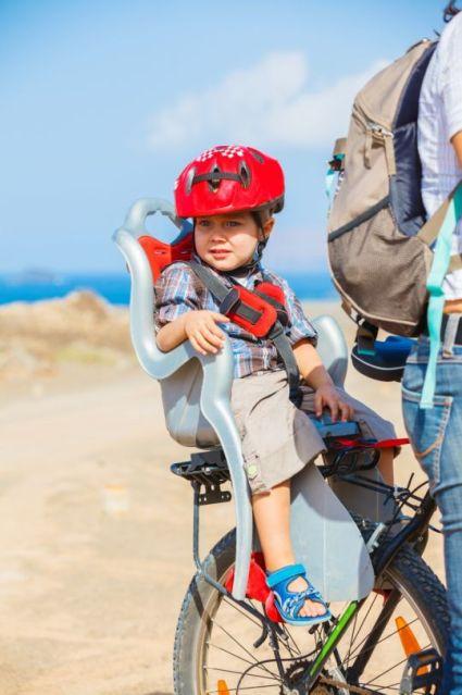 dziecko-w-foteliku-rowerowym-GALLERY_MAI2-36202