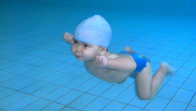 swimmingbaby650